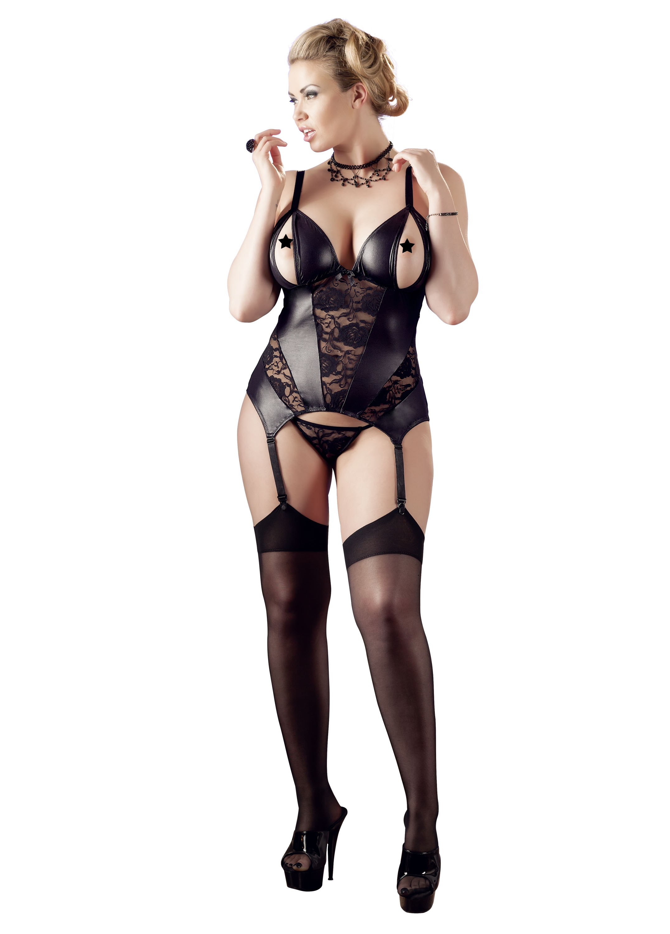 Upper Size Basque Set